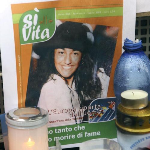 Italia entera, incluidos politicos y gobierno, se han volcado en la defensa de la vida de Eluana